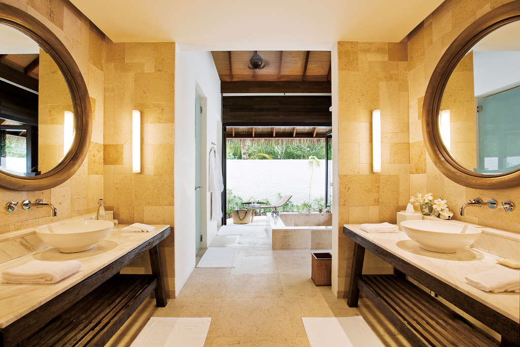 53433890-H1-Garden_Suite_Bathroom_3