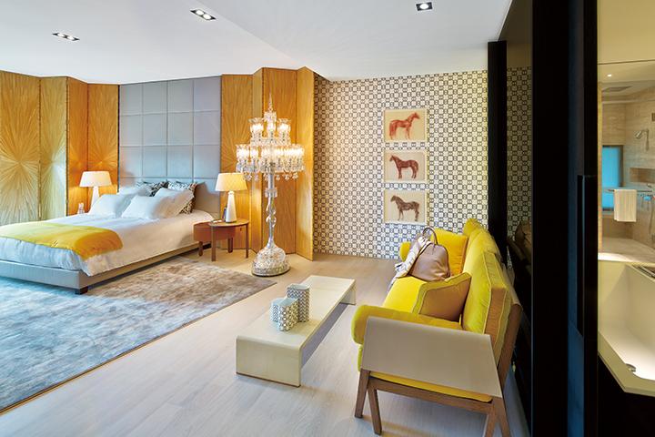 The Marq客房內明亮開闊的空間設計。